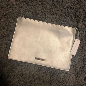 NWT silver zipper clutch NY&CO gray zip bag